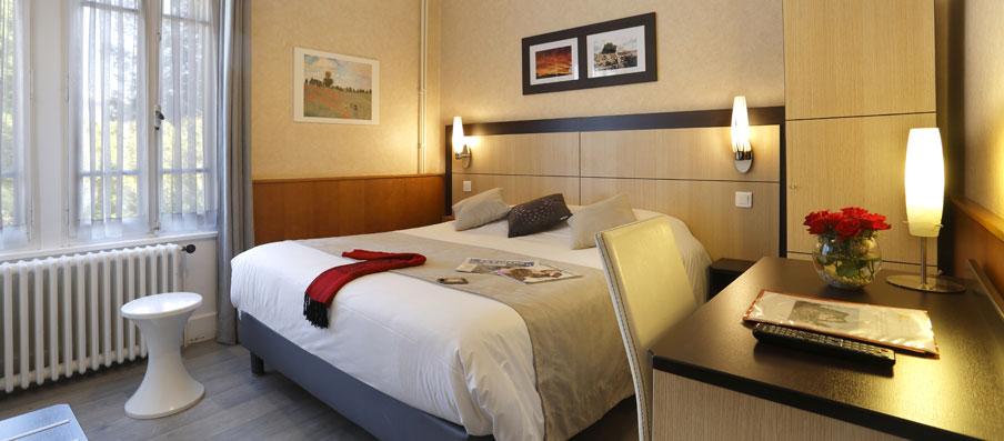 hotel thonon les bains a l 39 ombre des marronniers. Black Bedroom Furniture Sets. Home Design Ideas